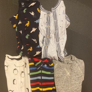 Baby Gap Bundle of 5 One Piece 0-3 month outfits